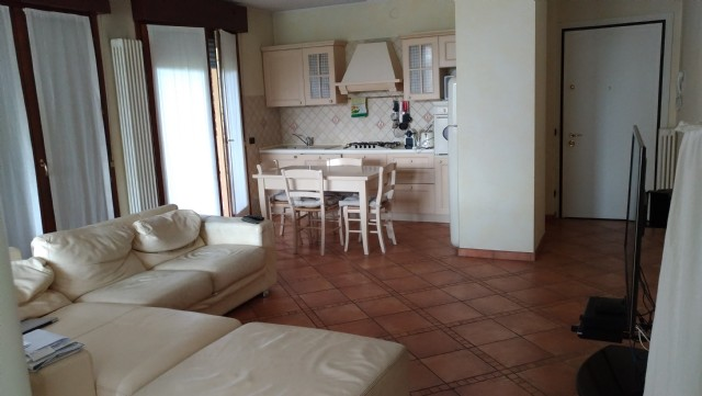 affitto appartamento parma   600 euro  4 locali  100 mq